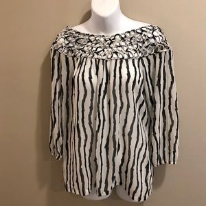 B/W jagged striped blouse...gorgeous!!